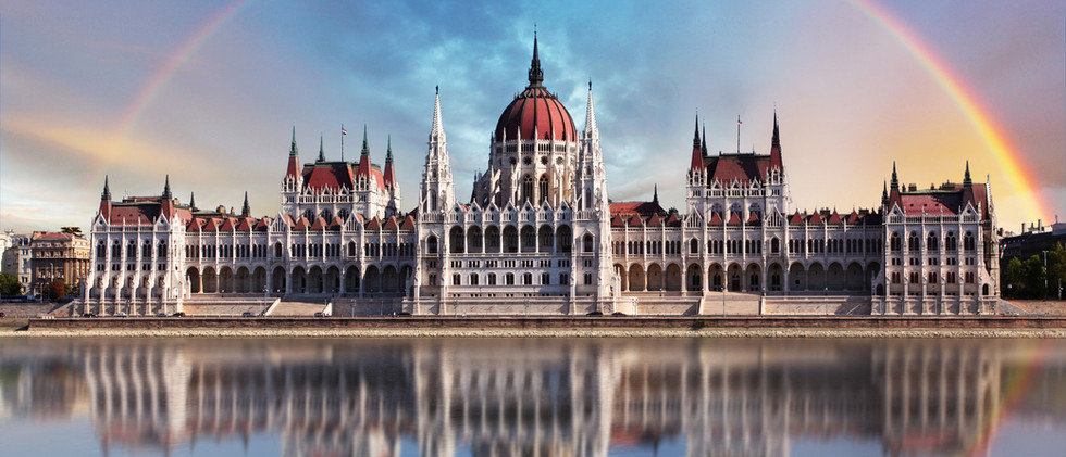 Canva - Budapest - Parliament.with refle