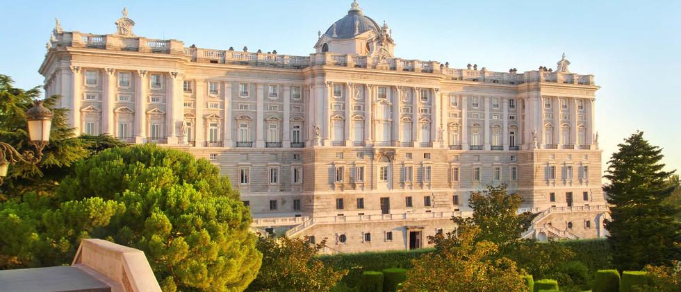 Canva - Madrid Palacio De Oriente Monume