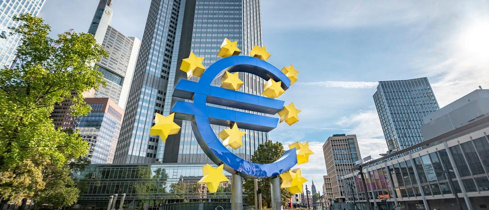 Canva_-_Europäische_Zentralbank_in_Frank