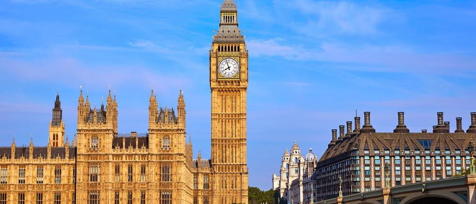 Canva - Big Ben Clock Tower in London En