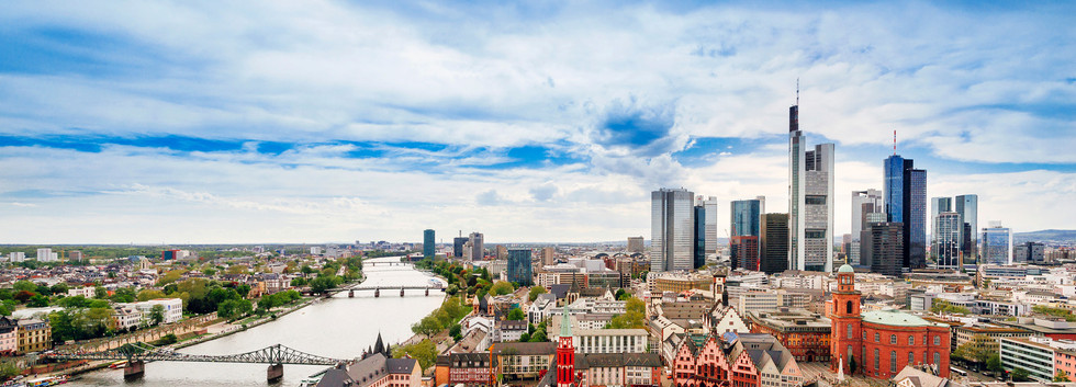 Canva - Panoramic view on Frankfurt skyl