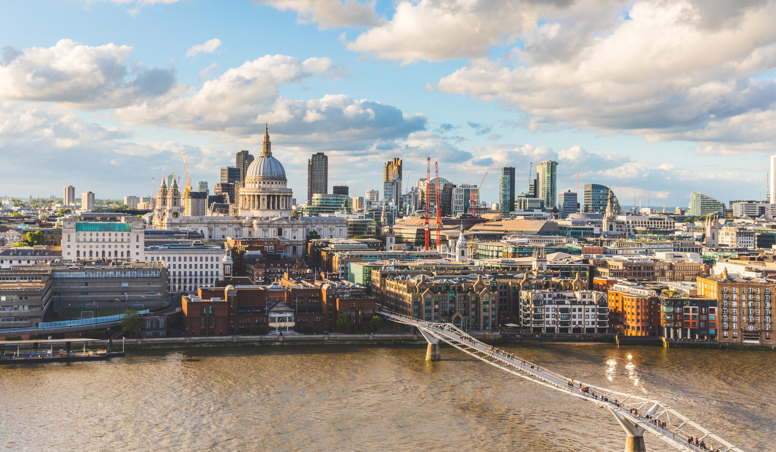 Canva - London and St Paul Cathedral at