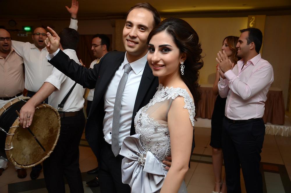 Lucia Loxca e seu marido Abed Tokmaji em evento na Síria