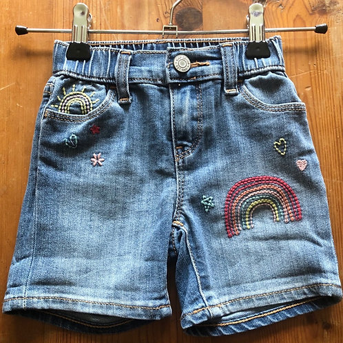Gap Shorts 2 years