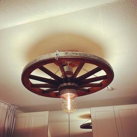 Wagenrad Deckenlampe