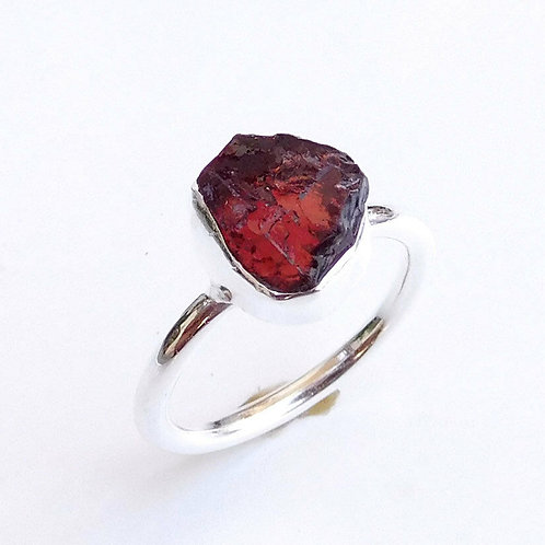 925 Solid Sterling Silver Rough Cut Red Garnet - Size 6.75