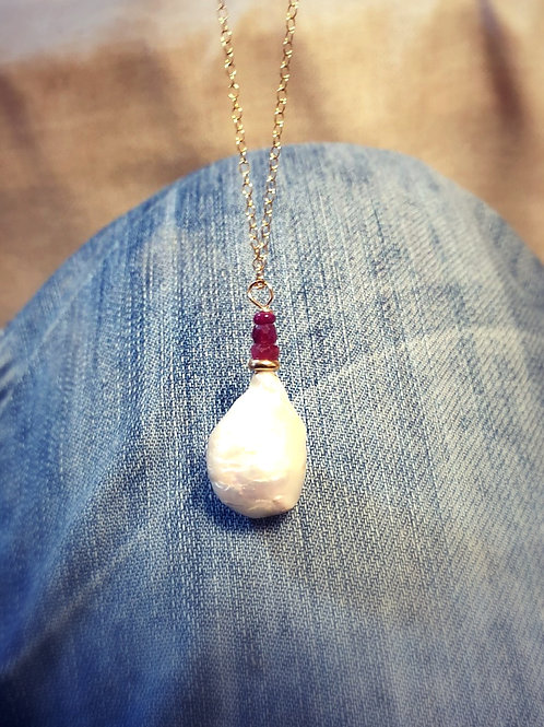 Natural Big Pearl Drop Gold necklaceand Ruby