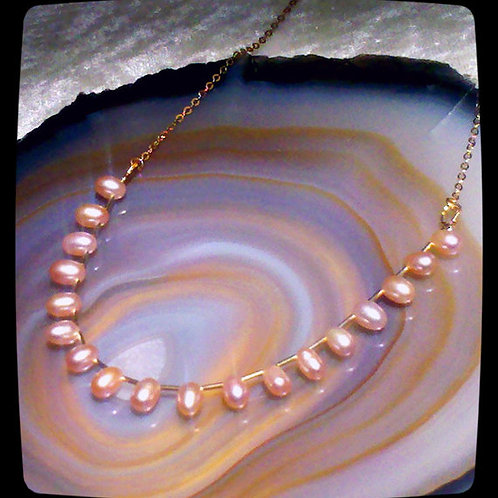 Pink Drop Pearl Gold Gentle Chain Necklace