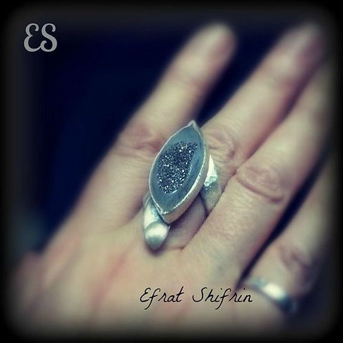 Sculptured Big Grey Chalcedony Drusy Gemstone Leaf Ring Adjustable Unisex Ring