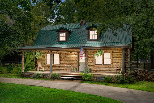 log-cabin-vacation-rental-clarksville-tennessee-patriot-family-homes