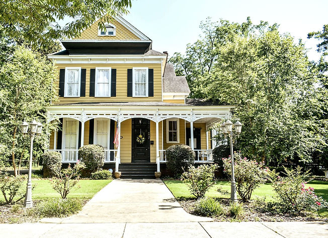 yellow-victorian-house-columbus-georgia-vacation-rental-home-patriot-family-homes