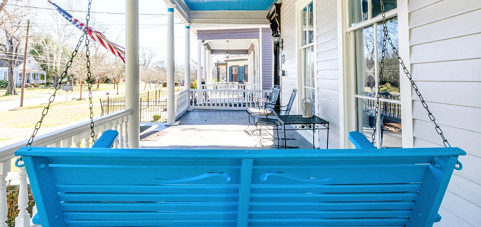 blue-porch-swing-southern-vacation-rental-columbus-georgia-patriot-family-homes