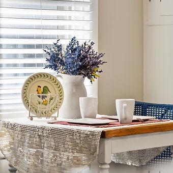 pretty-farmhouse-table-white-crockery-fresh-lavender-huntsville-alabama-vacation-rental-patriot-family-homes