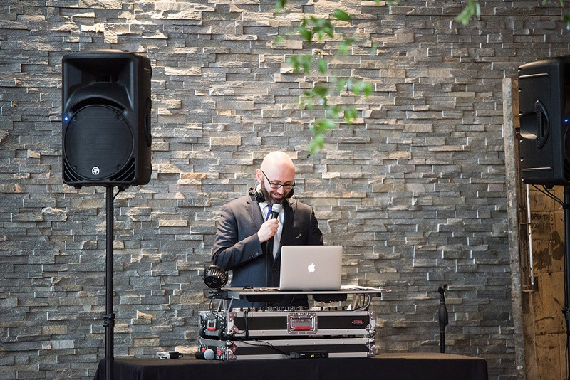 what does a wedding dj do