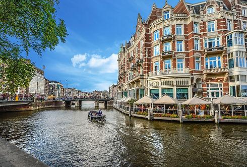 amsterdam-2203076_1920.jpg
