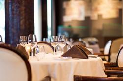 interior-sunset-grille-restaurant-at-hil