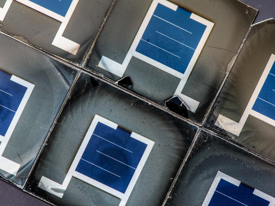 Layered solar cell technology boosts efficiency, affordability