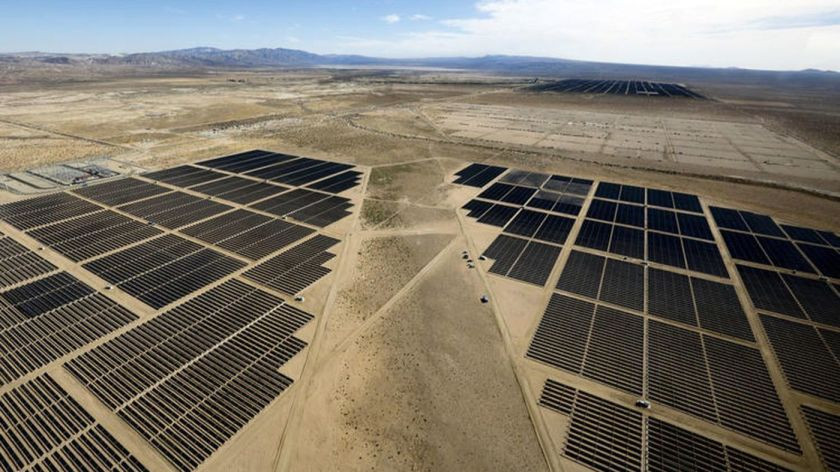 A solar farm in Kern County. (Mel Melcon / Los Angeles Times)