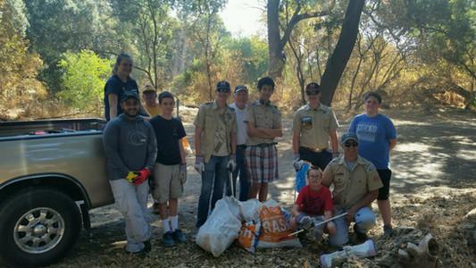 pick up trash volunteer day