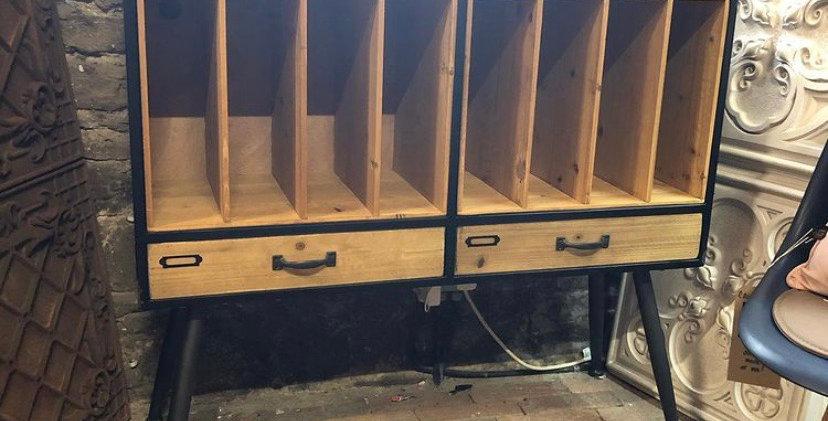 Double Retro Record Display Unit