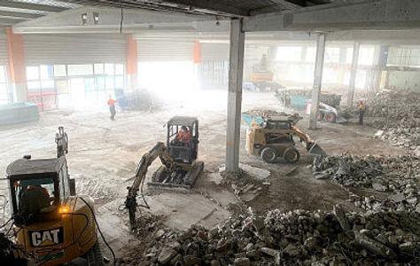 Demoliciones derribos en edificios industriales y comerciales en Cataluña