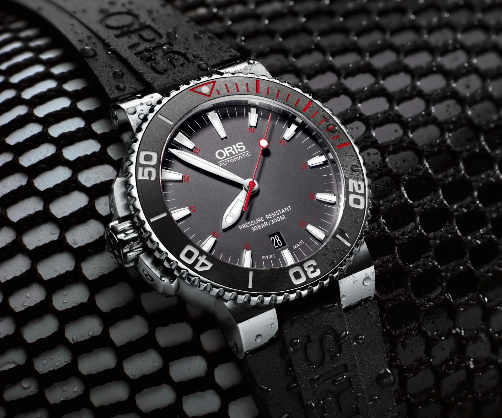 ORIS Aquis RED Limited EDITION 02.jpg