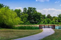 Monroeville-Pond-Sittting-Area-2.jpg