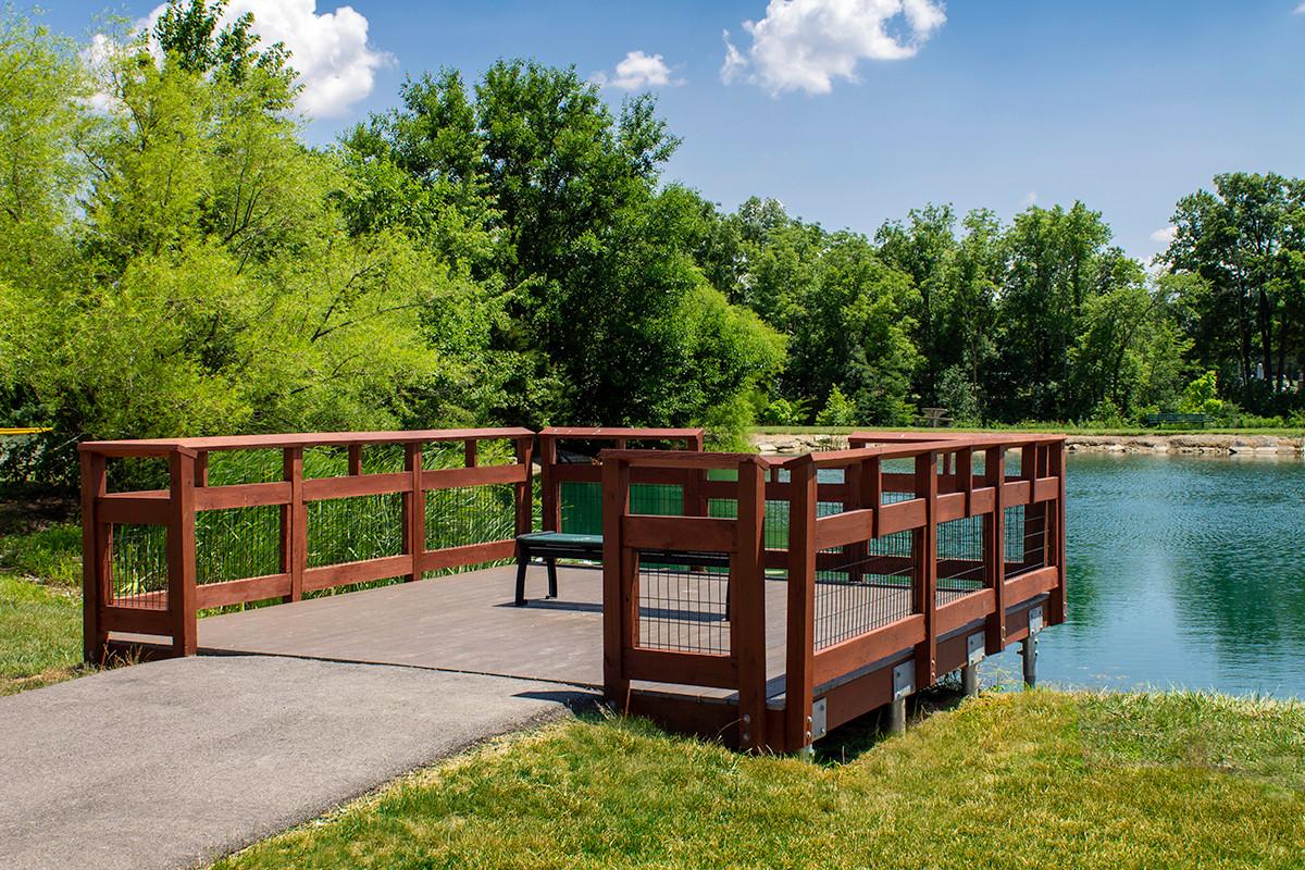 Monroeville-Pond-Sittting-Area.jpg