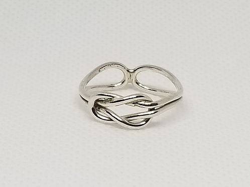 Love Knot Ring (Size 7)