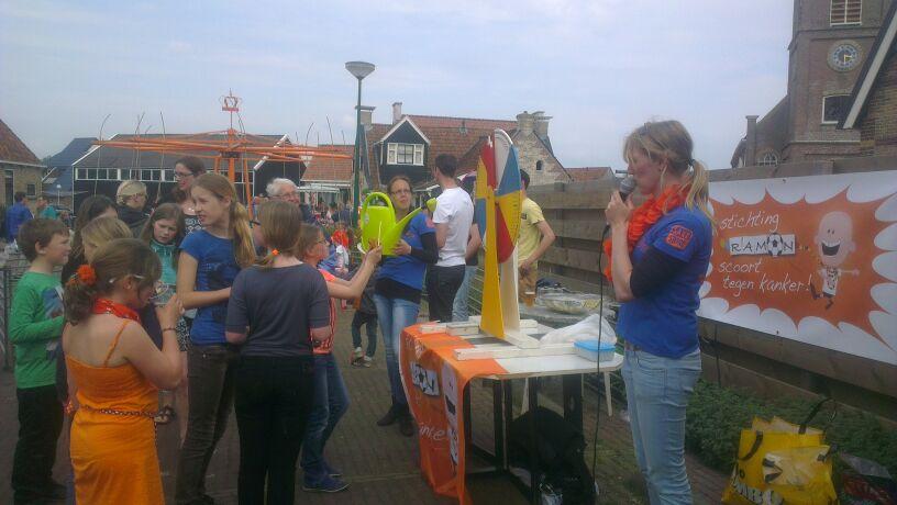 Foto's_Draaiend_rad_Top_&_Twel_-_Stichting_Ramon_scoort_tegen_kanker_2.jpg