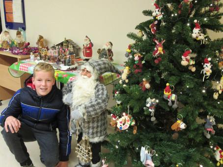 'Kerstmannen' gebracht bij zieke kinderen in UMCG.