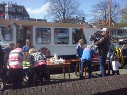 Foto's_Actie_in_Lemmer_-_Stichting_Ramon_scoort_tegen_kanker_3.jpg