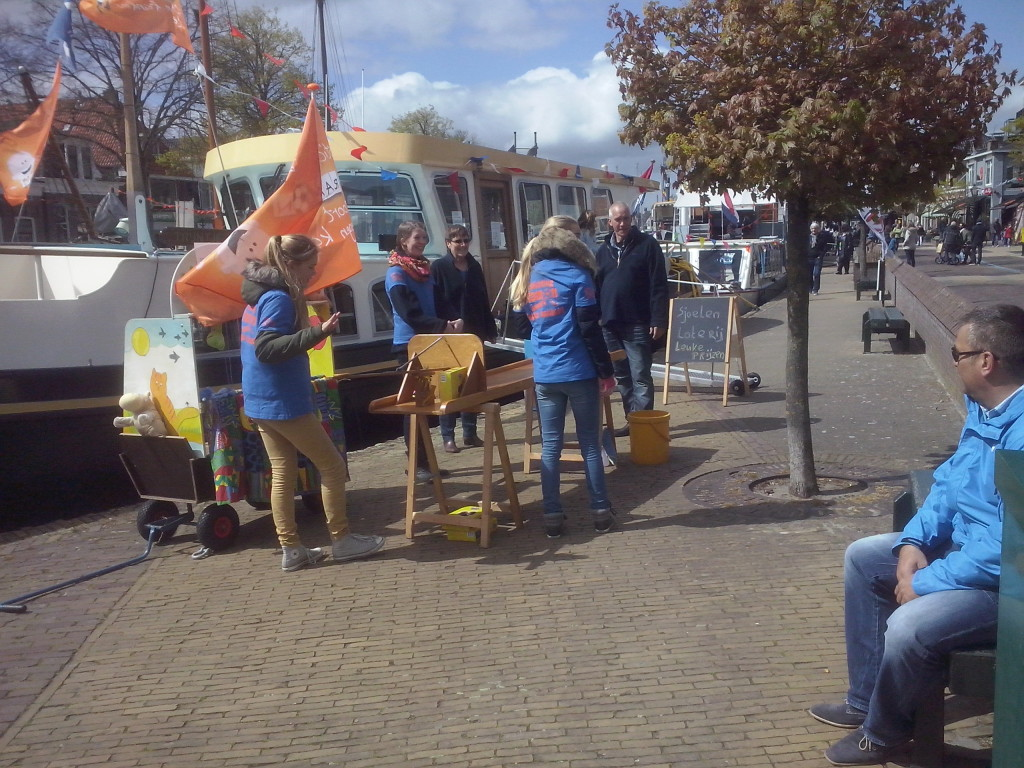 Foto's_Actie_in_Lemmer_-_Stichting_Ramon_scoort_tegen_kanker18.jpg