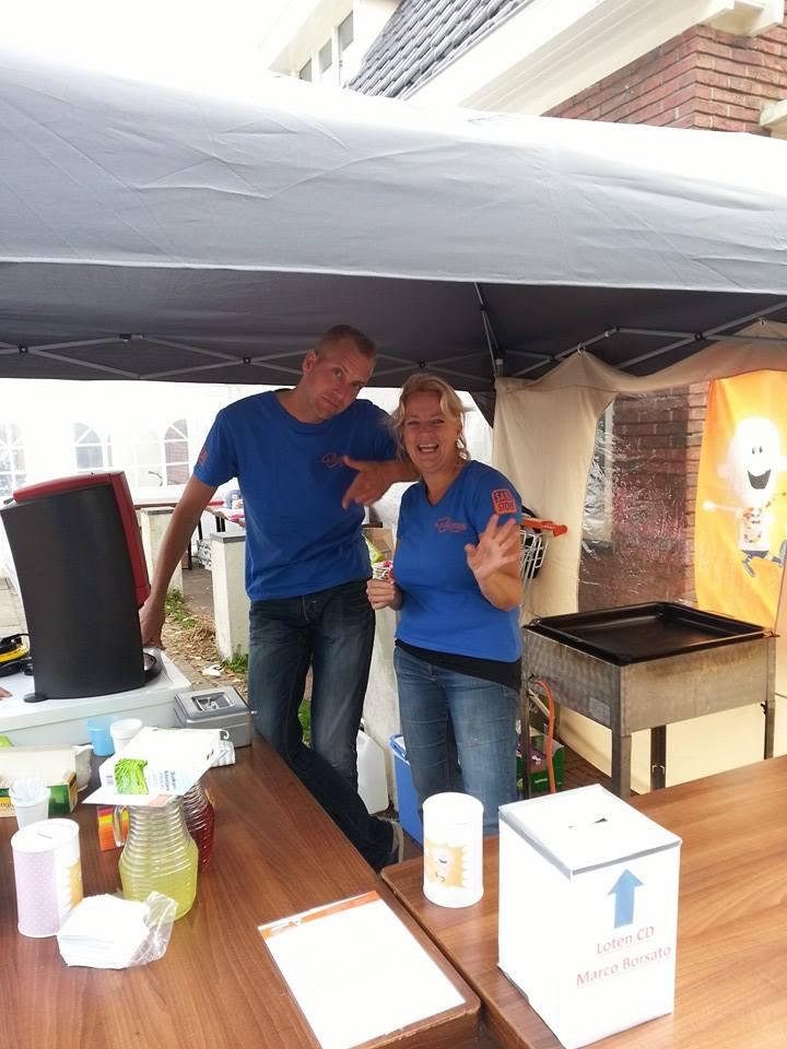 Poppodium vrijmarkt - Stichting Ramon scoort tegen kanker.jpg