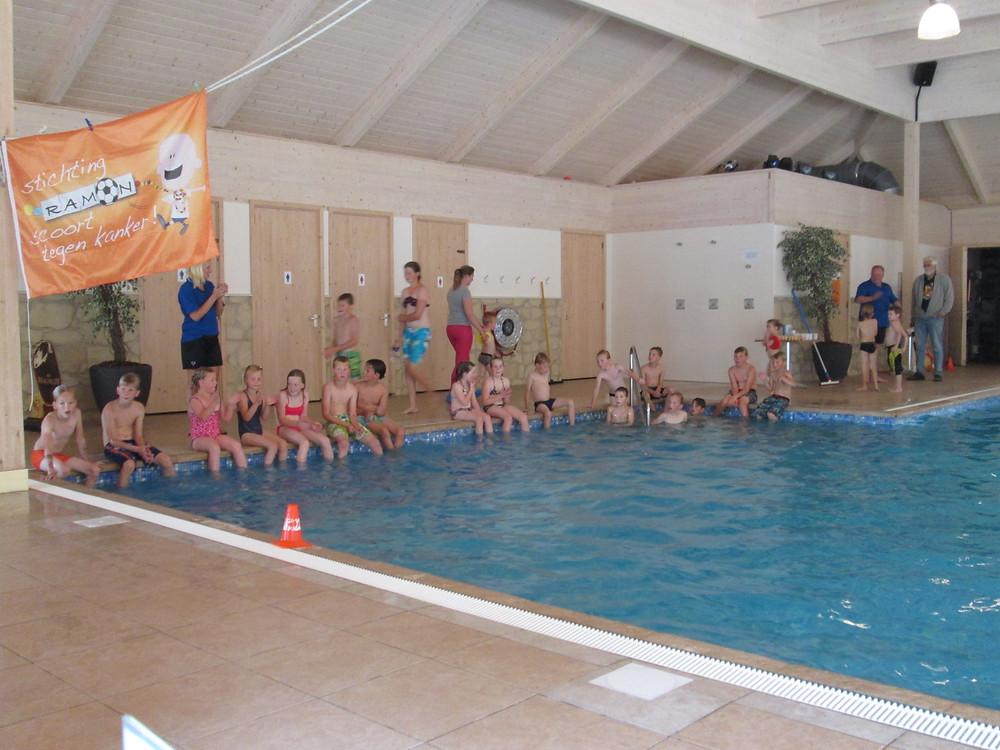 Camping_'t_hop_-_zwembad_de_waterman_-_Stichting_Ramon_scoort_tegen_kanker_1.jpg