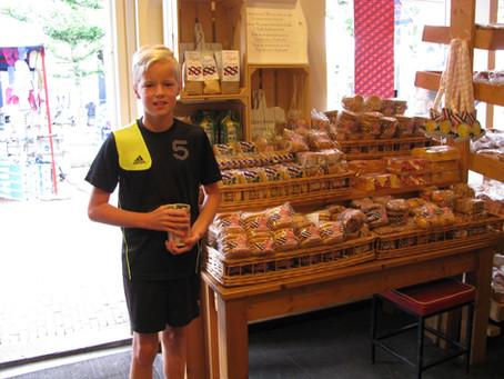 Muntjes tellen bij bakkerij Meinsma