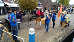 Foto's_Actie_in_Lemmer_-_Stichting_Ramon_scoort_tegen_kanker_8.jpg