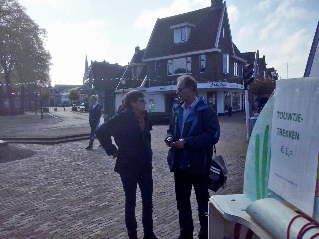 Foto's_Actie_in_Lemmer_-_Stichting_Ramon_scoort_tegen_kanker_10.jpg