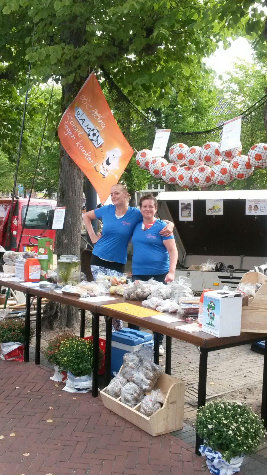 Ramon scoort tegen kanker Poppodium vrijmarkt Balk foto 4.jpg