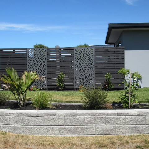 Block wall, screen fence & planting