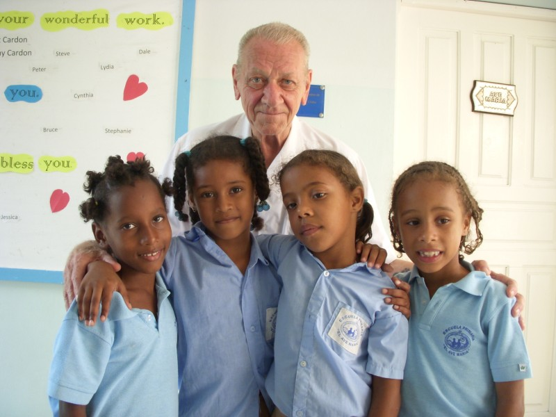 Founder Woody with students