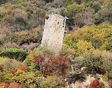 La tour penchée de Vernazzano à Tuoro