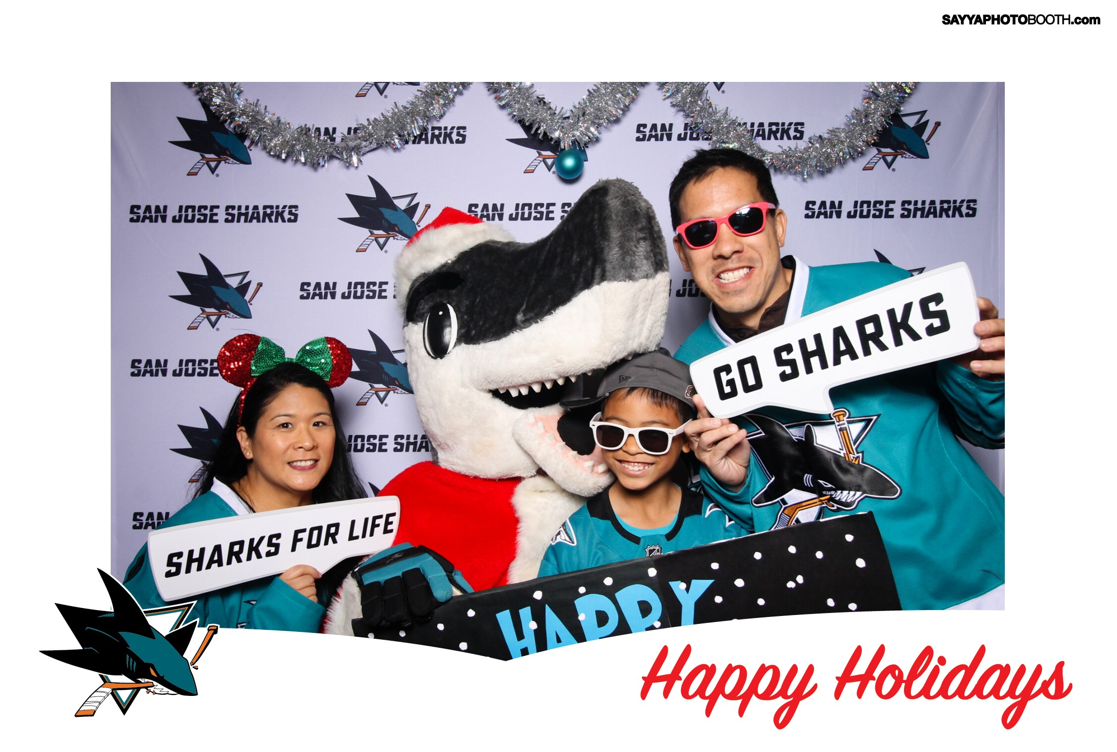 FINatical Kids Club Sharkie Claus