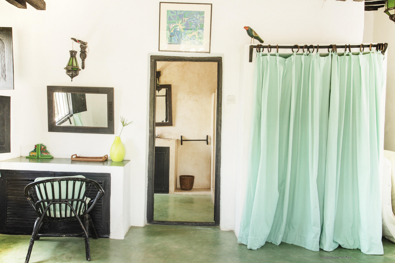 Bath room dune room