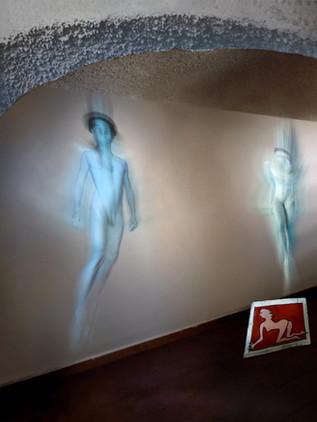 Figure di luce e omini