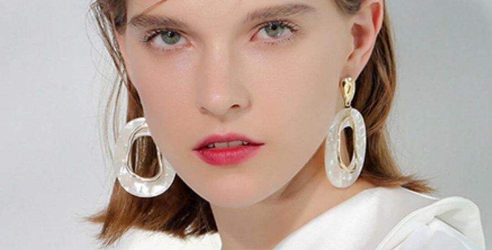 Simple White Resin Geometric Drop Earrings