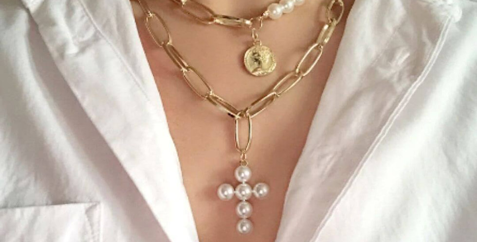 Luxury Design Pearls Cross Choker Necklace