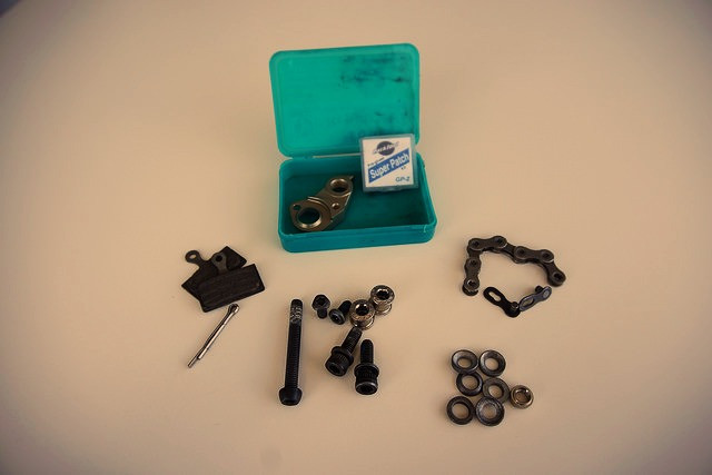 MTB Tour Kit Bolts