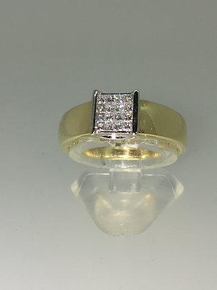 18K Yellow Gold & Princess Cut Diamond (0.54ct) Unisex Signet Ring