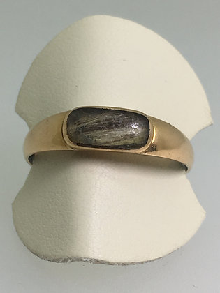 An Art-Deco 15K Gold Hair Compartment Memorial Ring